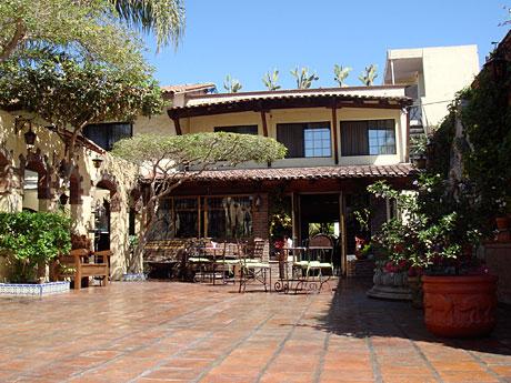 quinta-courtyard.jpg