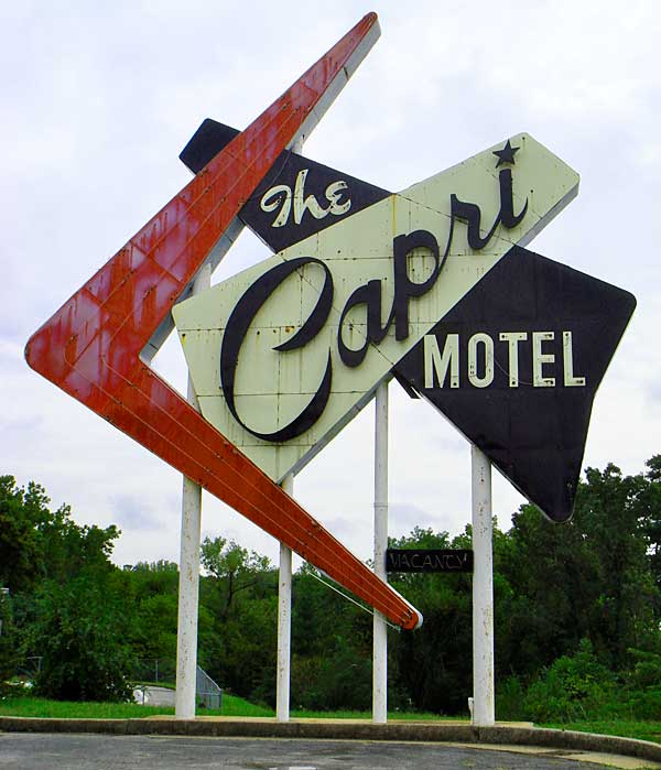 Capri_motel_sign